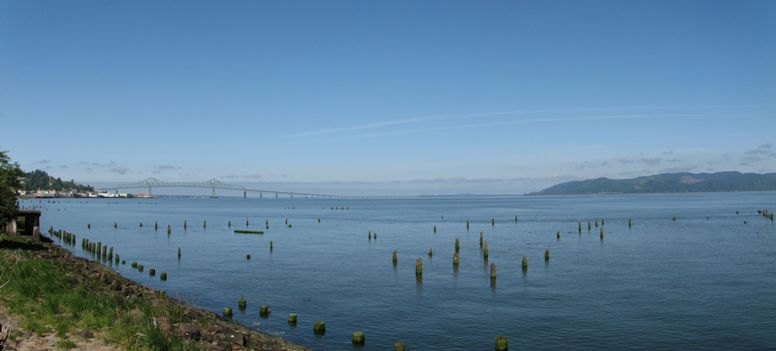 the Astoria Megler Bridge - Oregon, this Image is a Panorama of 3rd pictures - click on image for high resolution Panorama