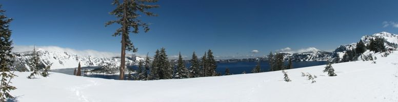 Overview of Crater Lake in Oregon - click on image for high resolution Panorama